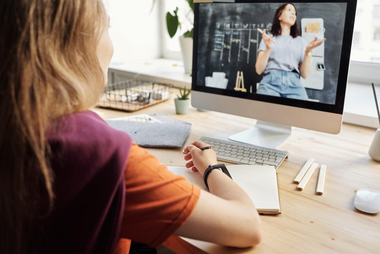 5 conseils pour rester concentrer pendant vos cours en ligne